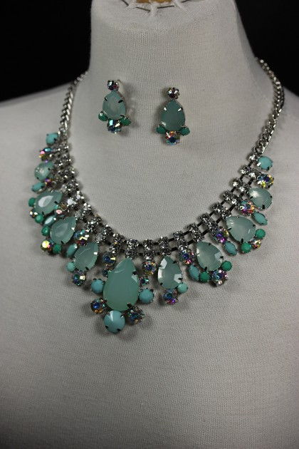 Fashion fusion necklace set