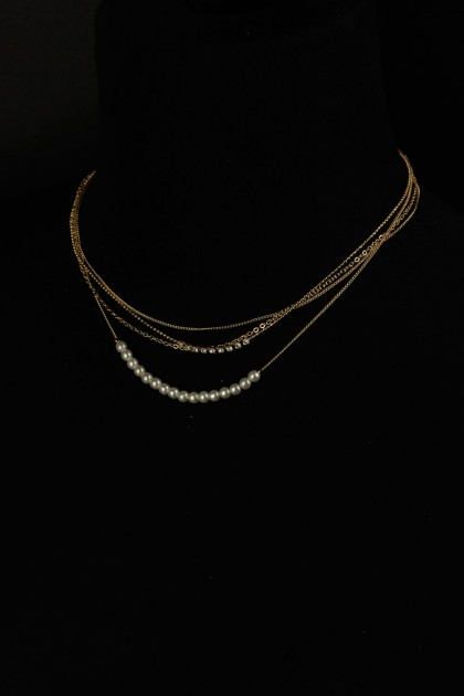 Sway pearl necklace