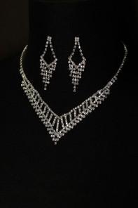 6 pretty b necklace set