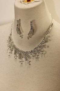 Snow storm rhinestone necklace set