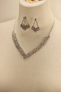 Lux v-line rhinestone necklace set