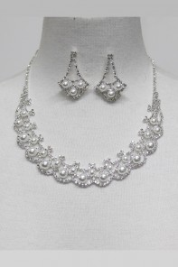 Pearl Rhinestone Necklace Set