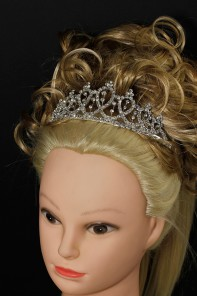Cuttie pie tiara with comb