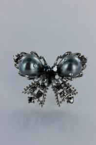 Pearl butterfly brooch