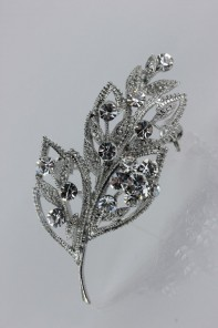 Foliage brooch