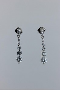 Round tennis cubic zirconia earring