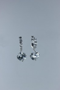 Royal line CZ Level-style earring