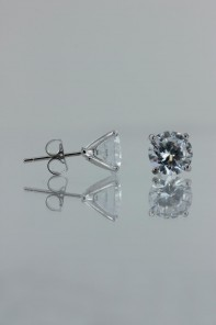 8MM AAA Quality one point up CZ earring
