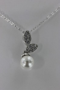 Two leave pearl CZ Pendant Necklace