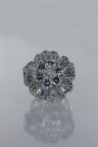 AAA Lux flower CZ Ring