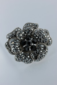 Beautiful flower brooche jewelry for wedding