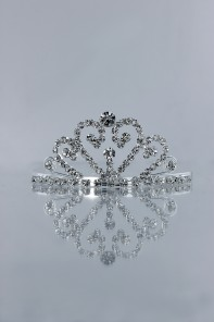 Small round heart tiara